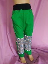 waldgrüne Outdoorhose mit Blumenranken-Softshell handmade, reflektierende Paspel