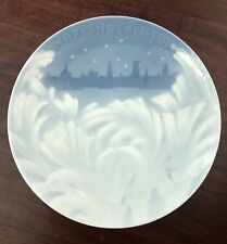 "1895 Bing & Grondahl Danish Christmas Plate ""Behind the Frozen Window"" Excellent"