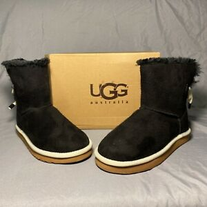 ugg black bow short boot womens size 9