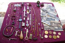 Lot de + de 200 objets issus de fond de tiroir.