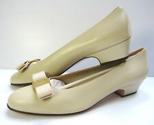 SALVATORE FERRAGAMO FLORENCE VARA BOW PUMP FLAT SHOES SIZE 10 B BEIGE ROUND TOE