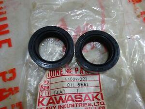 KAWASAKI N.O.S FORK SEAL SET 44009-021 KH100 G3SS G3TR D1 J1 C2 GA1 /2/3