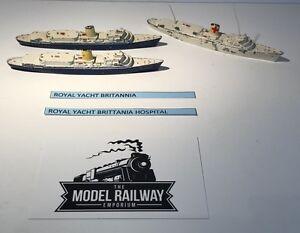 VINTAGE - TRIANG MINIC SHIPS - M721 - ROYAL YACHT BRITTANIA X 3 - DIECAST RARE