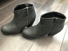 Ladies used faux leather FIORE black boots, UK size 6