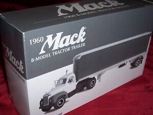 First Gear Mack 1960 B-Model Tractor Trailer, 1/34 Scale