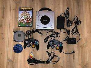 Silver Nintendo Gamecube Console Complete With Cables 2 Controller & Game Tested
