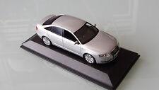 Minichamps 1:43 Audi A6 C6 silber unbespieltes Vitrinenmodell