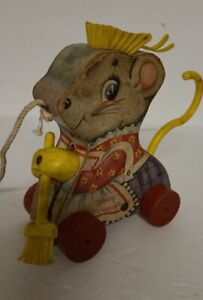 VTG 1962 Fisher Price Merry Mousewife Wood Pull Toy Sweeping Mouse WORKS 100%