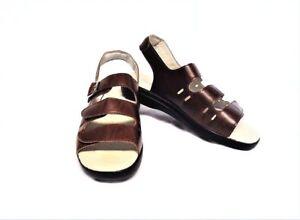 Propet Womens 11N 42.5 Breeze Walker Sandals Brown Leather Adjustable Straps NEW