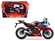 2016 HONDA CBR1000RR RED/WHITE/BLUE/BLACK 1/12 MOTORCYCLE MODEL BY NEW RAY 57793