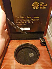 2013 £5 GOLD PROOF 300th ANNIVERSARY OF THE DEATH QUEEN ANNE  BOX&COA ONLY