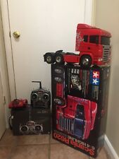 tamyia scania r620 , red Scania with control charge batteries ready to have fun