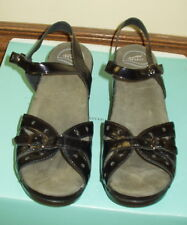 Dansko Black Patent Leather Strappy Sandals Sz 10.5 Eur 41