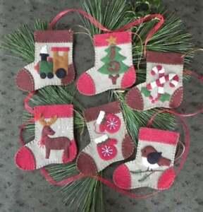 Warm Feet Felt Ornament Kit by Rachel's of Greenfield *Free Shipping*