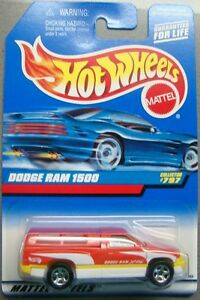 Hot Wheels 1997 Diecast Coll. #797 Dodge Ram 1500 Red & White w/ Yellow Interior