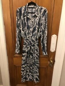 Very Smart Trenery Dress-Abstract Print Pleated