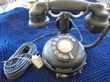 téléphone ancien complet , modifié pour marcher sur une prise , objet tres rare