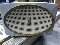 ZENITH MODEL A513C VINTAGE TUBE RADIO