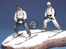 Legend 1/35 Gebirgsjager German Ski Troopers Set WWII (2 Figures w/Base) LF0026