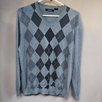 Claiborne Men's Cotton Gray Argyle V-Neck Sweater Pullover Long Sleeve Medium