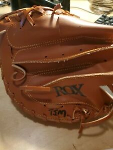 FRANKLIN JUNIOR CATCHERS MITT  JR TAN RH THROWER-GOES ON LEFT HAND.We ship fast.