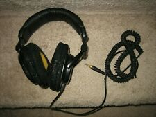 Sony DYNAMIC Stereo Headphones MDR-V600 - BOTH CHANNELS WORK -  NEED Pads!