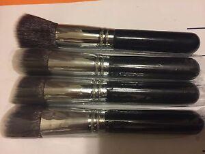 4 X  Face makeup brushe foundation brush ,powder,blush ,bronzer brush tools