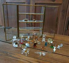 Kleine Glasvitrine mit kleinen, süßen GLasfiguren