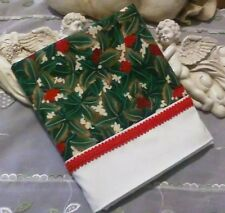 COUNTRY COTTAGE WINTER HOLIDAY GREEN HOLLY RED BERRIES & RED PIPING PILLOWCASE