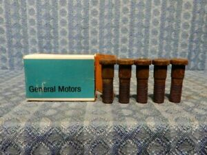 1966-1970 Chevrolet Truck 3/4 1 Ton NOS GM Box of 5 Front Hub Bolts #3883323