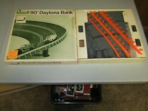 Used Vintage 1967 Revell 1/32 Scale Slot Car 90 Degree Daytona Bank Set Complete
