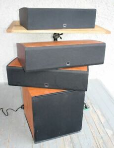 DALI Suite Audiophile Speakers Set of 4. Cherry Wood. Made in Denmark EXCELLENT