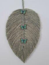 Macrame Feather/ leaf Wall Hanging Decoration Handmade, sage green, 28×15 cm.