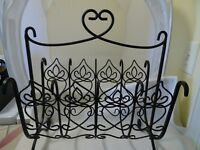 """SOUTHERN LIVING AT HOME SLAH MAGAZINE RACK/STAND-BLACK WROUGHT IRON-17"""" x 15""""-"""