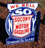 OLD STYLE LARGE 2FT SOCONY MOTOR OIL & GAS STANDARD FLANGE DICUT SIGN USA MADE!