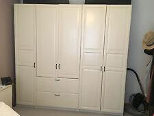 Schöner Ikea Pax Kleiderschrank in weiß im Bauernstil  Maße 2,50m x 2,36m x 60cm