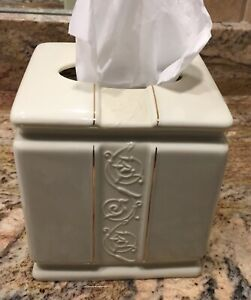 Verona Porcelain Tissue Cover Ivory With Gold Trim