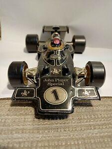 Corgi 1:18 scale Lotus 72 (John Player Special) F1 Formula One diecast model