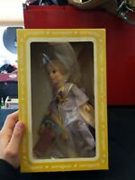 VINTAGE EFFANBEE VINYL 11 INCH TALL STORY BOOK MAID MARIAN 1166 DOLL with box