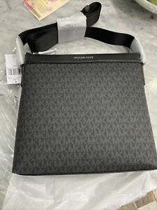 Michael Kors Cooper Signature Lg Messenger Crossbody Swingpack Bag