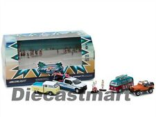 SPRING BREAK ROAD TRIP 6 PCS SET DIORAMA WITH FIGURES 1:64 BY GREENLIGHT 58047