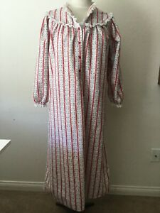Vintage 80's Lanz Of Salzburg Logo Lace Trimmed Longsleeve Nightgown Size S