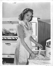 Dorothy Morris in apron Original 8x10 glossy photo F6013