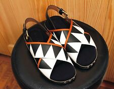 NEW IN BOX - MARNI VERNICE LEATHER SANDAL - GRAPHIC BLACK AND WHITE - SIZE 38.5