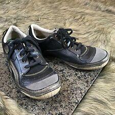 Cushe Foot Wear Women's Sz 9 / 10  Black Gold Leather Sneaker Active Shoes