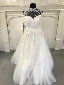 Alfred Angelo Wedding Dress size 18  NEW style 2502 Ivory . Gorgeous back