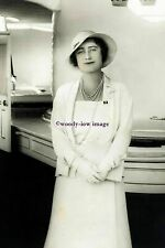 rs1254 - Duchess of York, Queen Mother on Royal Yacht c1930s - photograph 6x4
