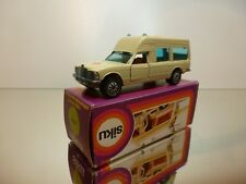 SIKU 1613 MERCEDES BENZ 200 - BINZ AMBULANCE - CREAM 1:55? - EXCELLENT CONDITION