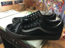 Vans Old Skool (Velvet) Black NIB Size US 9.5 Men's VN0A38G1NQ9