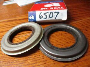 1936 37 38 39 40 41 42 46 47 48 49 50 51 52-54 + HUDSON +  Front Wheel Seals NOS